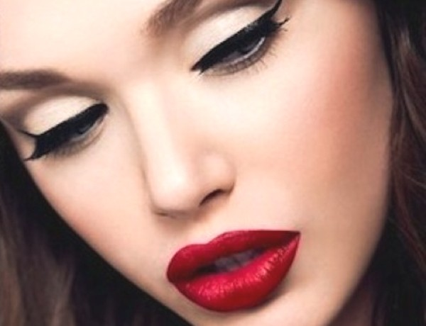 winged-eyeliner red lips