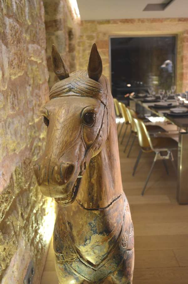 Dinner table, horse Carousel