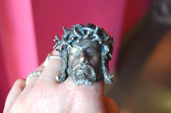 Metal Couture Jesus ring