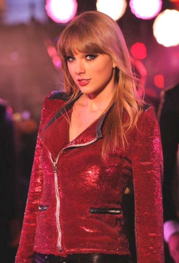 Taylor Swift 2013 red jacket