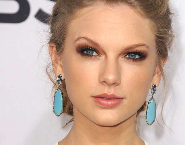 Taylor Swift's Best Hair and Make up