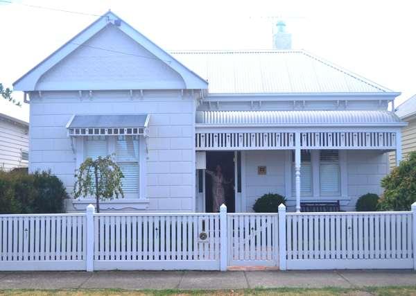 Yanna Edwardian House