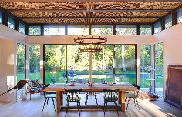 athena-and-victor-calderones-amagansett-home-1-600x386