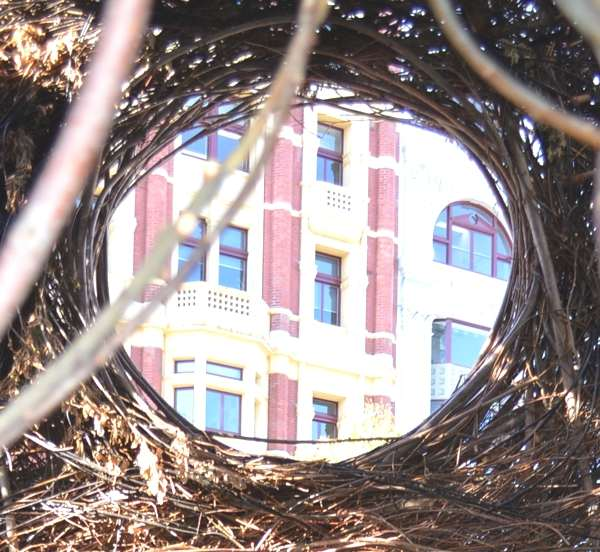 bird nest-Melbourne buildings- Trendsurvivor