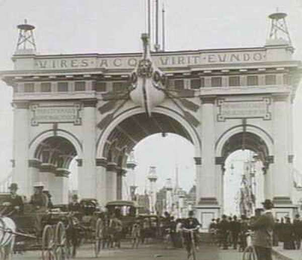 A triumphal Federation Arch which decorated Princes Bridge in 1901, the end of it also marked the beginning of Melbourne's decline from Australia's largest and most important city.