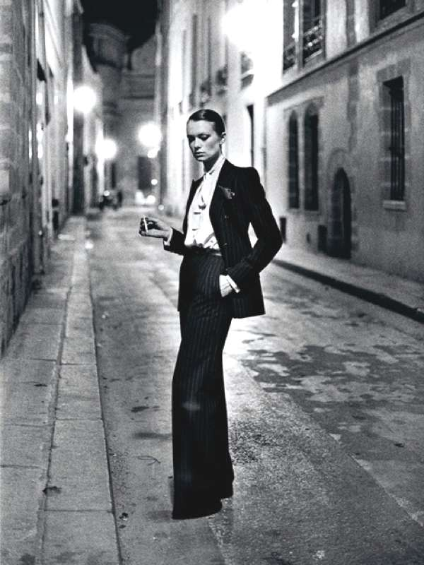 helmut_newton_rue_aubroit_paris-525w2