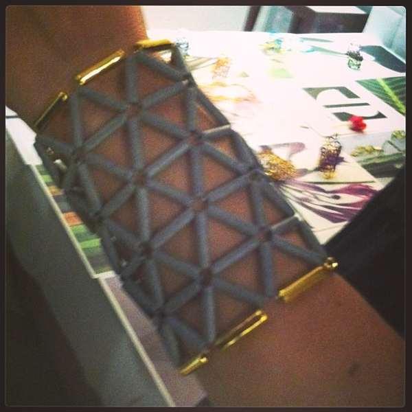 Bela's  bracelet grey and gold
