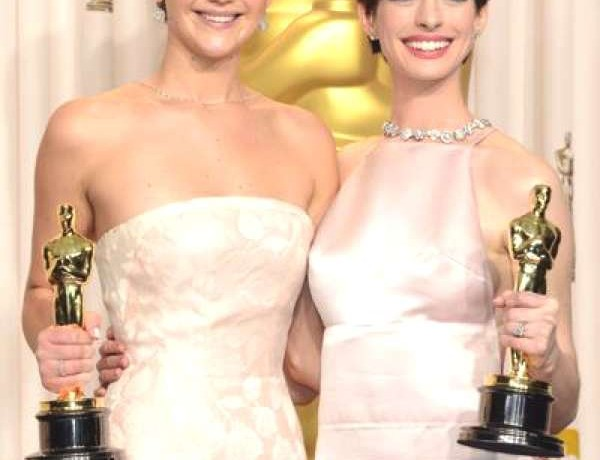 Jennifer Lawrence & Anne Hathaway8824319_n