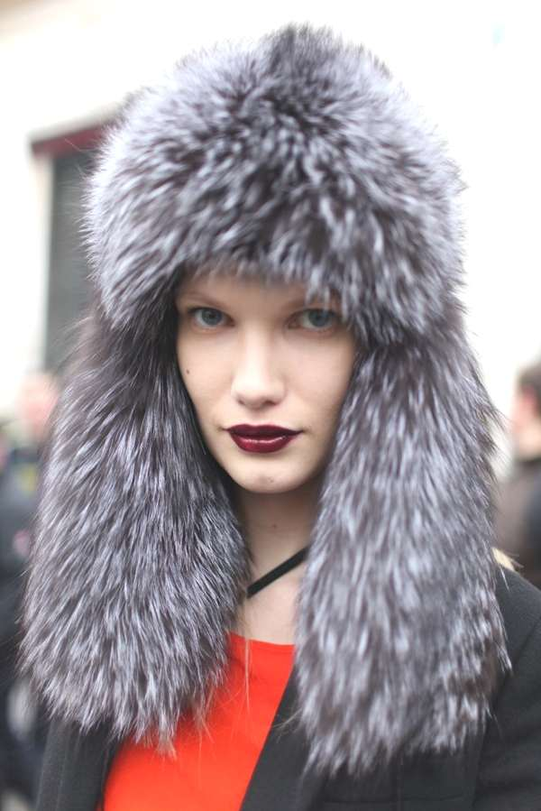 Photo by Kuba DabrowskiRuby red lips Paris Fashion Week