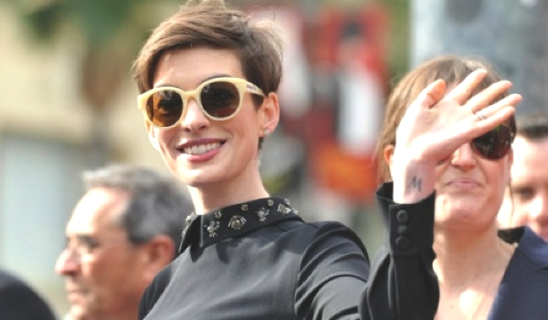 anne-hathaway-fish