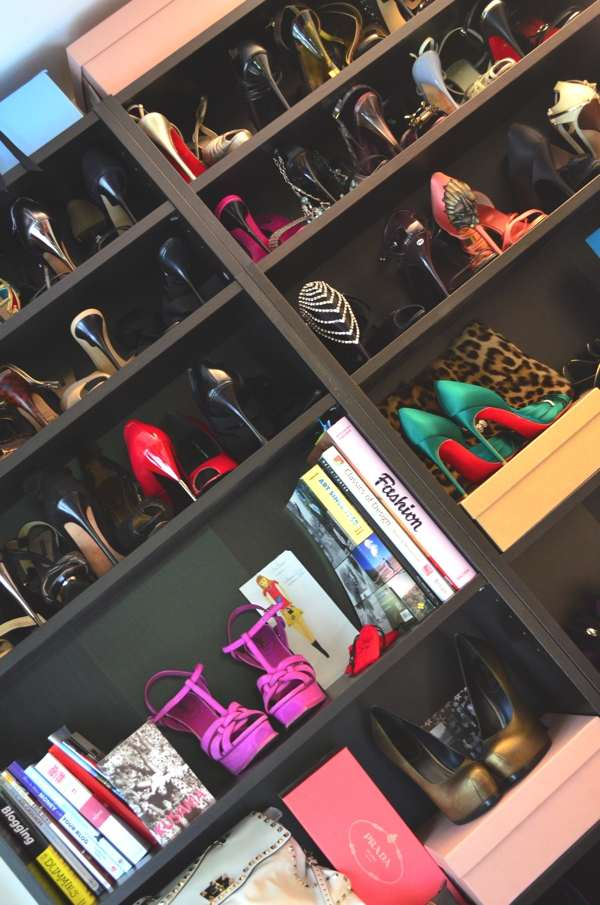 closet room shoes