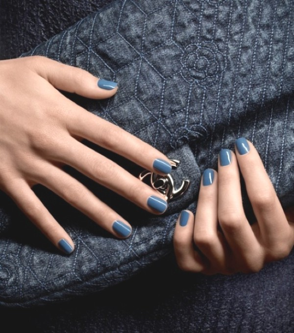 Inspiration - Fashionable Color Blue-0005- Chanel bag blue nails