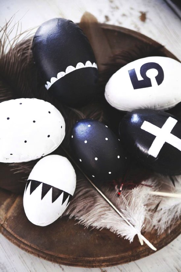 Stylish Easter Eggs 1