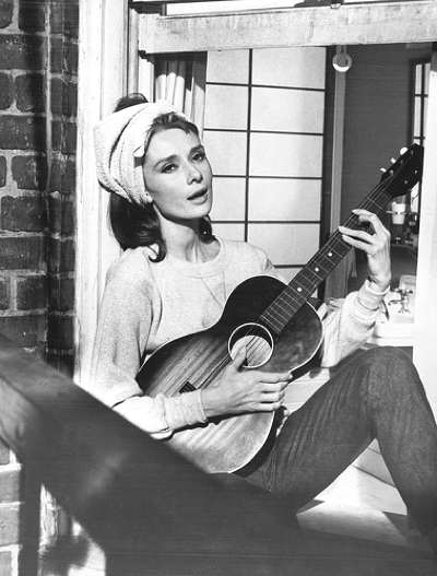 audrey-bfast-at-tiffanys