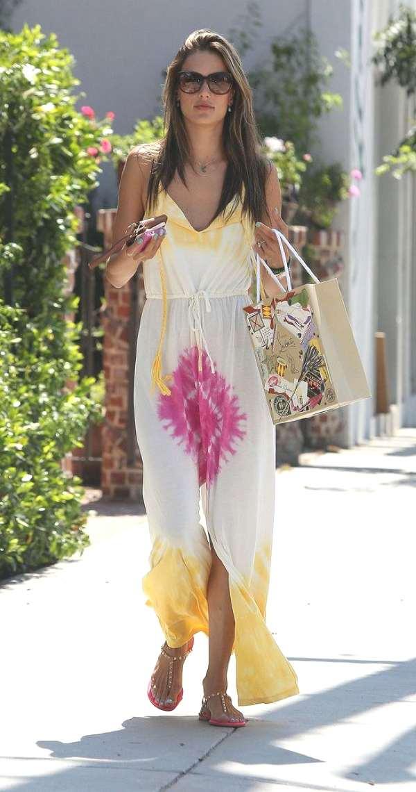 Alessandra Ambrosio maxi summer street style