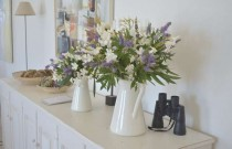 DIY- Easy Casual- Chic Easy Vase Flower Arrangement
