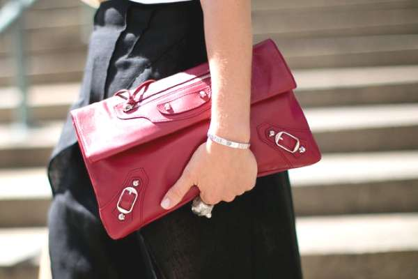 NYFW Street Style Accessories- Shoes and Bags on the Sidewalk 1