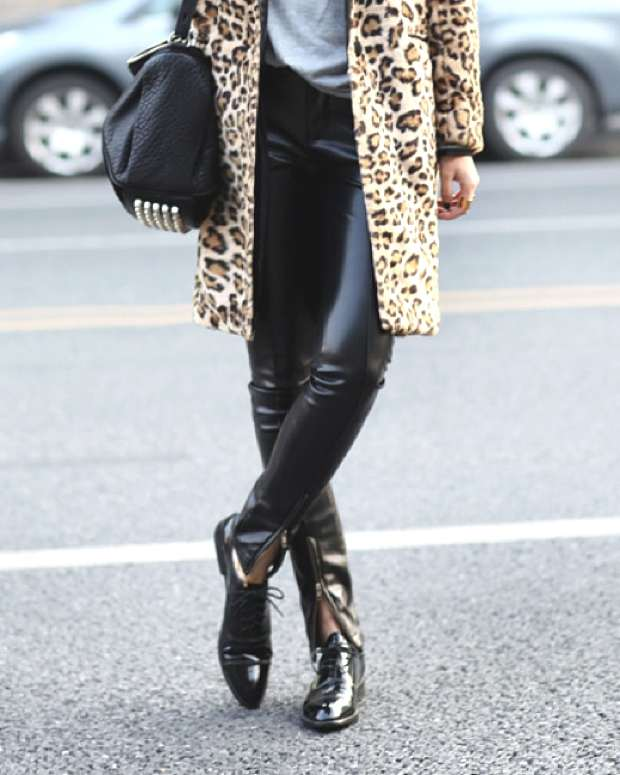 The chic leopard coat and skinny leather pants