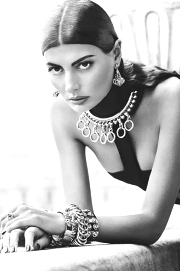 Giovanna Battaglia- A Style of All Seasons black and white
