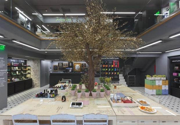 The Apivita Experience Store01