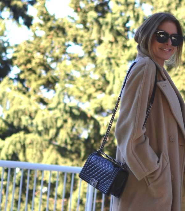 Camel Coat and black outfit03