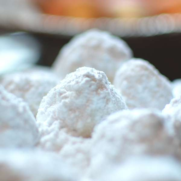 kourabiedes traditional Greek Christmas sweets
