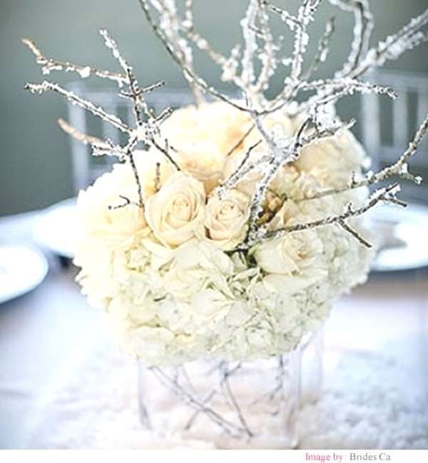 Christmas white flowers table decor