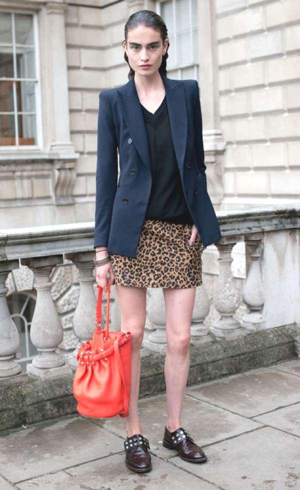 Model Pauline Vander leopard skirt