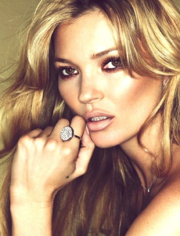 Kate Moss golden hair