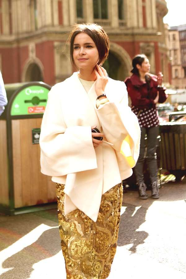 Miroslava Duma  Burberry resort 2014 gold sequin skirt