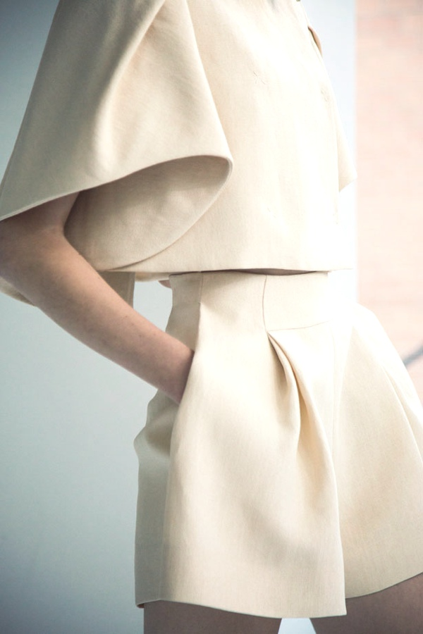 Spring Summer 2014 collection Delposo ivory details