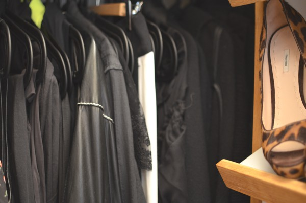 Trendsurvivor closet all black