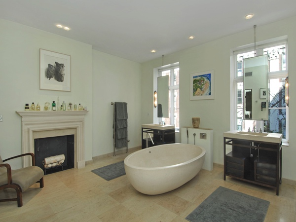 Sarah Jessica Parker and Matthew Broderick bathroom in in Greenwich Village