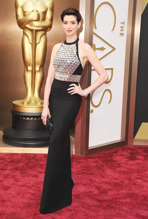 Anne-Hathaway-2014-Oscars