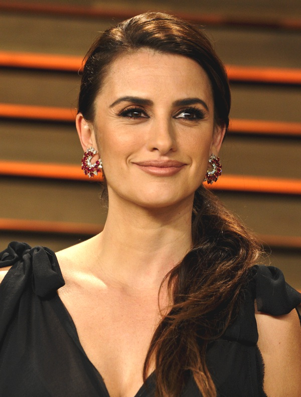 Penelope Cruz wearing Chopard at the VF Party 2