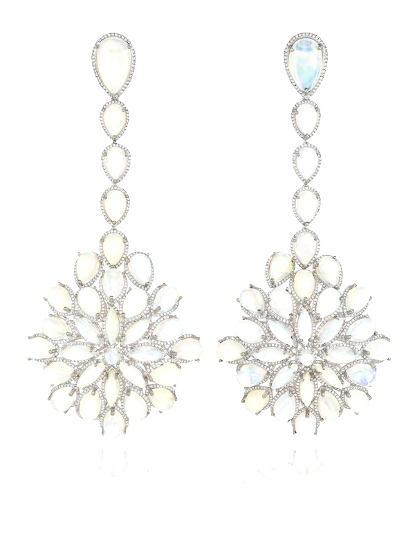 Red Carpet Collection earrings worn by Cate Blanchett