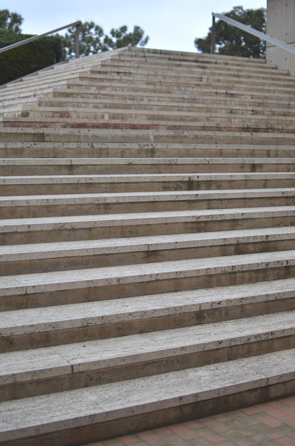 Louis Kahn pyramid stairs