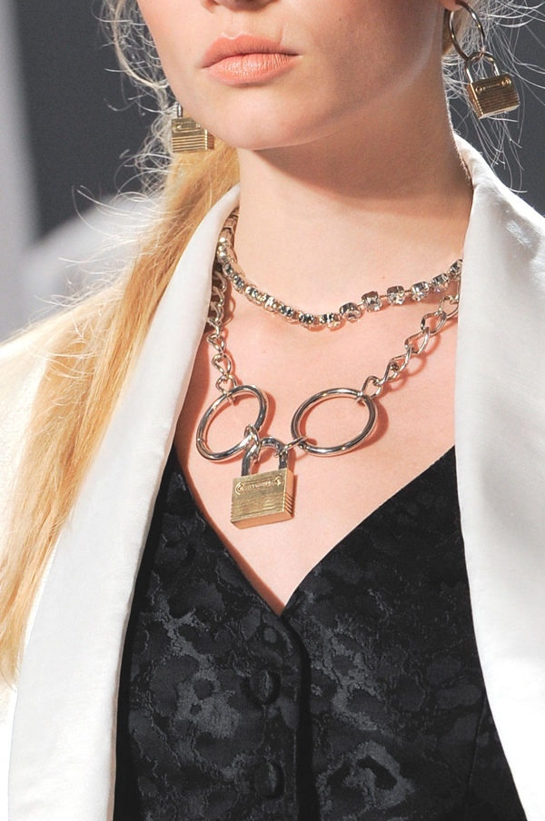 rodarte-hbz-ss14-accessories-trends-chain-gang