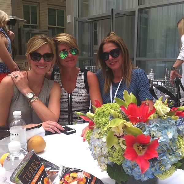 Beth, carly Nina Fashion bloggers