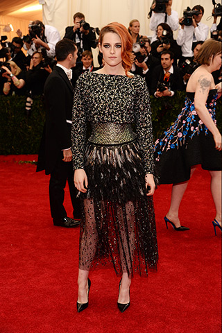 Kristen Stewart, in Chanel Haute Couture, with Chanel Fine Jewelry and Christian Louboutin shoes.