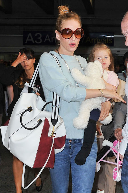 Uma Thurman Tods bag airport