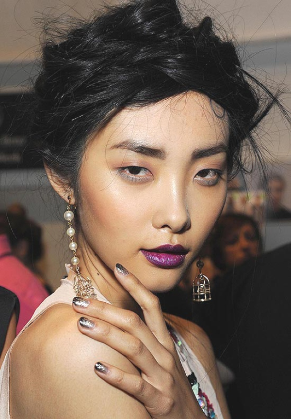 nicole-miller-ss-2014-hair-makeup-nails ombre nails