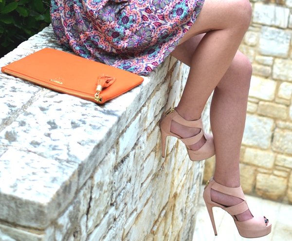 sante shoes and clutch orange