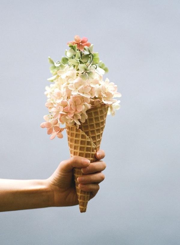 Gift cones flowers