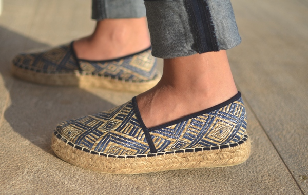 Haris Ghertsos-  Espadrilles, T-shirt and Jeans12