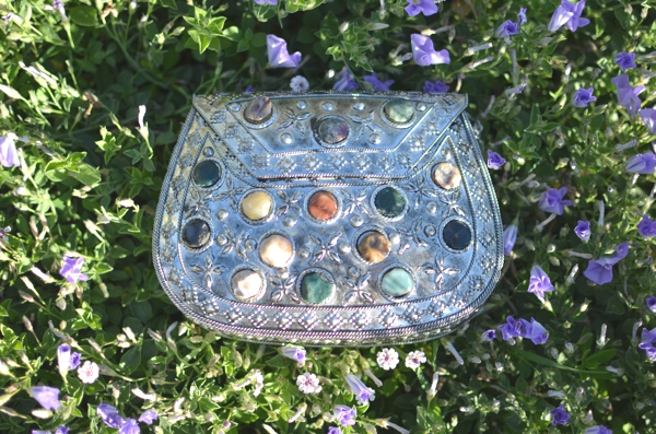 metal clutch with beads