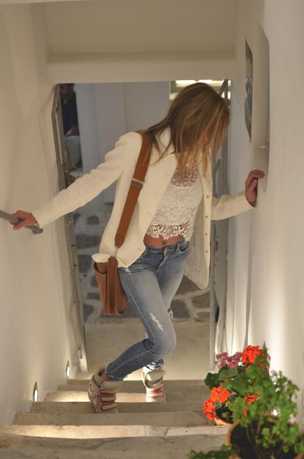 skinny jeans, white blazer, Isabel Marant sneakers