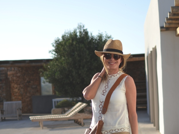 Leather meets Lace and a Straw Hat07