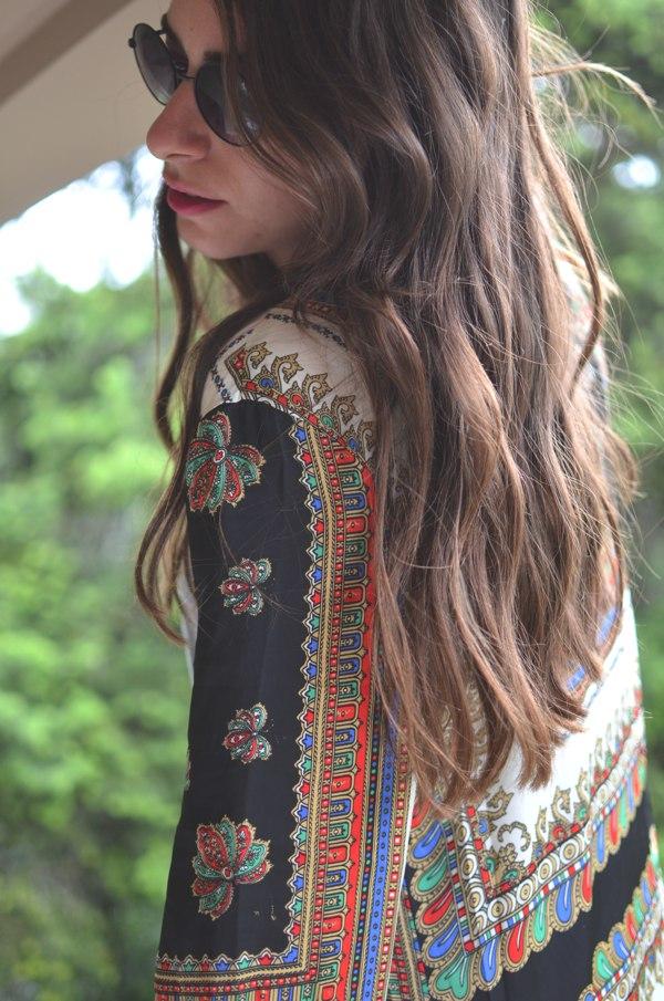 Niki kimono Missguided beach wave hair