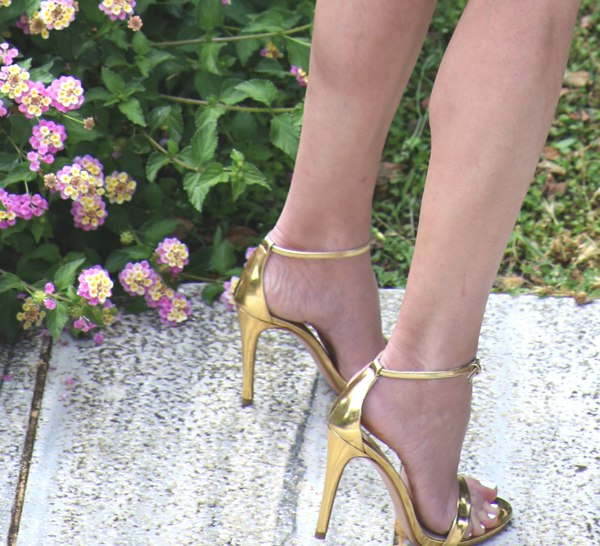 Strappy Golden sandals